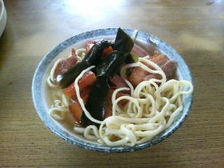 沖縄そば(<br />  三枚肉そば)